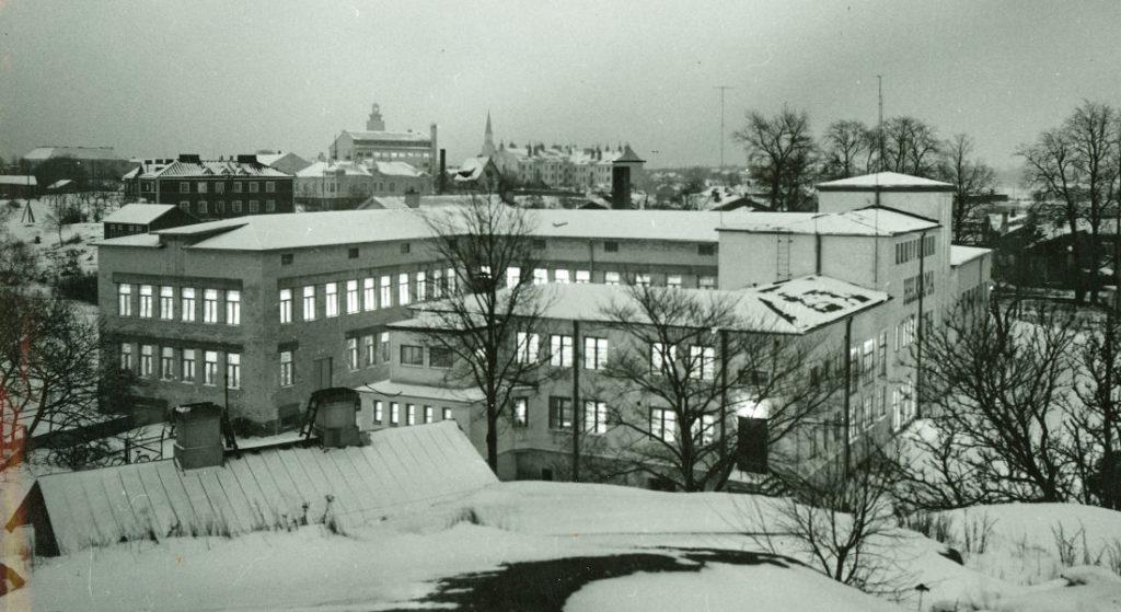 Helkamafabriken från sidan.
